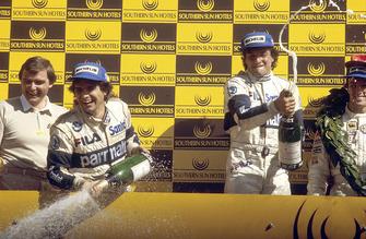 Podio: ganador de la carrera Riccardo Patrese, Brabham BMW, tercer lugar Nelson Piquet, Brabham BMW