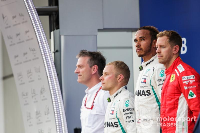 Podio: James Allison, Director Técnico, Mercedes AMG, segundo lugar Valtteri Bottas, Mercedes AMG F1, ganador de la carrera Lewis Hamilton, Mercedes AMG F1, tercer lugar Sebastian Vettel, Ferrari