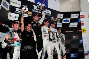 Podium: Mike Halder, Hell Energy Racing with KCMG Honda Civic Type R TCR, Dániel Nagy, M1RA Hyundai i30 N TCR, Ashley Sutton, WestCoast Racing Volkswagen Golf GTI TCR, Marie Baus-Coppens, JSB Compéticion Cupra TCR, Jean-Karl Vernay, Leopard Lukoil Team Audi RS3 LMS TCR