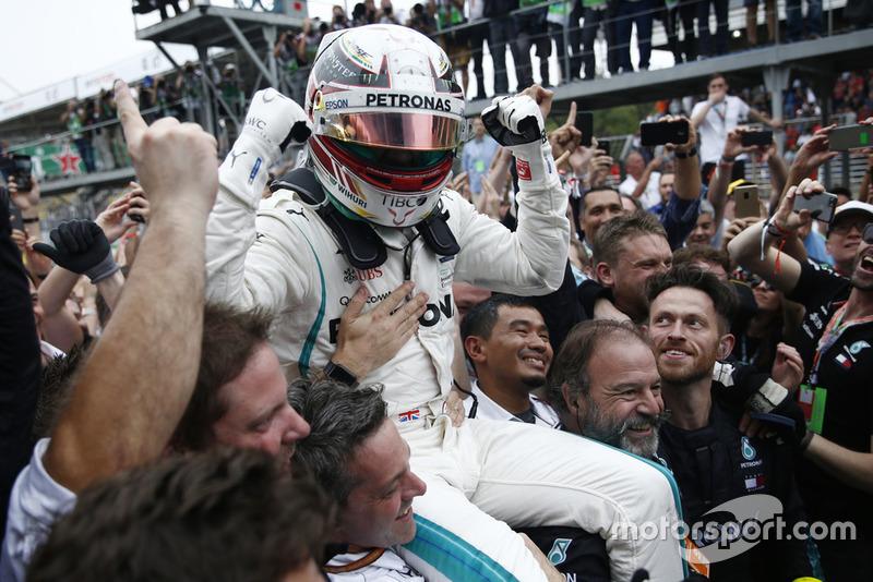 La distancia de Hamilton con el subcampeón ha sido...