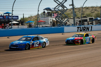 Ryan Blaney, Team Penske, Ford Fusion PPG and Kyle Busch, Joe Gibbs Racing, Toyota Camry M&M's