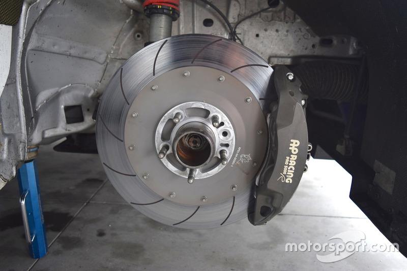 Alfa Romeo Giulietta TCR, dettaglio del disco del freno
