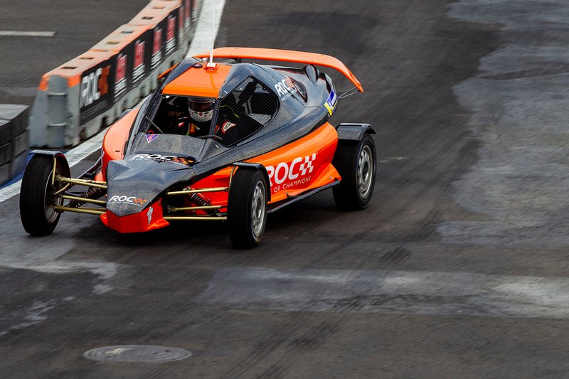 Nils Naujok pilote la ROC Car