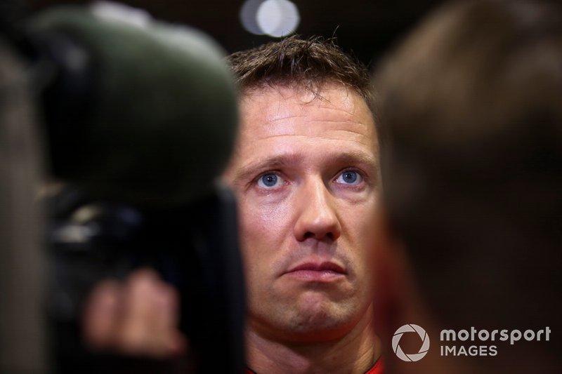 Entnervt vom schwierigen Fahrverhalten des C3 WRC tritt Ogier nach der Saison die Flucht zu Toyota. Citroen nimmt das zum Vorwand, das WRC-Engagement schlagartig zu beenden.