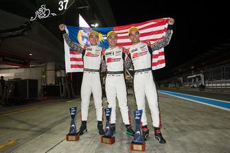 LMP2 Yarış galibi #37 Jackie Chan DC Racing Oreca 07 Gibson: Jazeman Jaafar, Weiron Tan, Nabil Jeffri