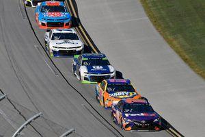 Denny Hamlin, Joe Gibbs Racing, Toyota Camry FedEx Ground and Ricky Stenhouse Jr., Roush Fenway Racing, Ford Fusion SunnyD
