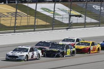 Brad Keselowski, Team Penske, Ford Fusion Miller Lite Jimmie Johnson, Hendrick Motorsports, Chevrolet Camaro Lowe's for Pros