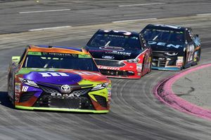 Kyle Busch, Joe Gibbs Racing, Toyota Camry M&M's Halloween, David Ragan, Front Row Motorsports, Ford Fusion MDS Transport