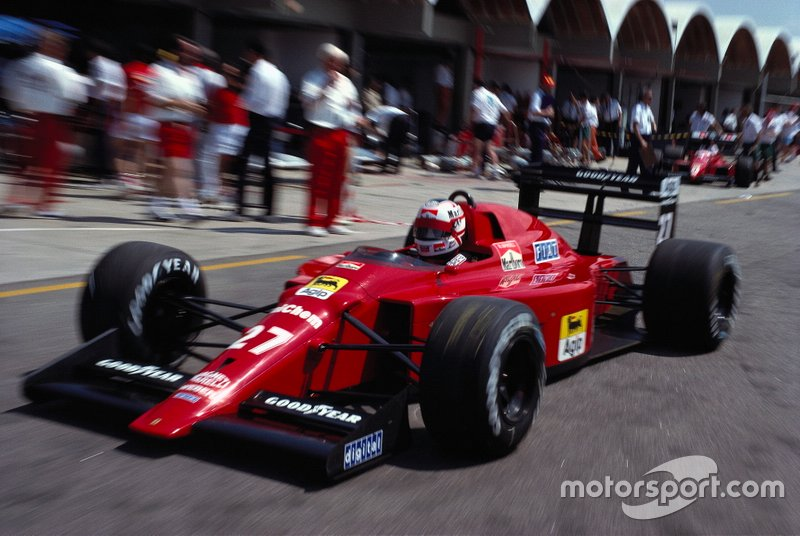Ferrari histórica: O modelo 640 é considerado um marco. Foi o primeiro F1 com câmbio semiautomático no volante. O brasileiro Roberto Moreno, campeão da F3000 em 1988, foi o principal desenvolvedor deste carro.