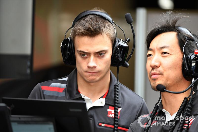 Louis Deletraz, collaudatore e pilota di sviluppo, Haas F1 e Ayao Komatsu, ingegnere Haas F1