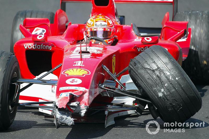 Кадры того, что произошло позади машины безопасности, не попали в официальную трансляцию той гонки. По рассказам пилотов, Шумахер, готовясь к рестарту, резко ускорялся и замедлялся. Монтойя пропустил одно из торможений немца, пробовал уйти в сторону, но все же задел Ferrari, и алую машину отбросило в ограждение