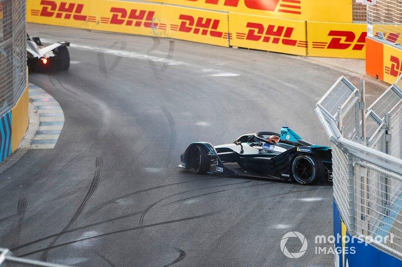 Stoffel Vandoorne, HWA Racelab, VFE-05, spins