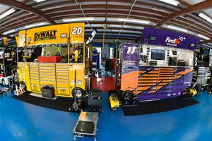 Denny Hamlin, Joe Gibbs Racing, Toyota Camry FedEx Ground and Erik Jones, Joe Gibbs Racing, Toyota Camry Craftsman