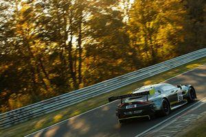 #56 Aston Martin AMR Vantage GT3: Maxime Martin, Darren Turner
