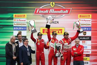 Maurizio Arrivabene, Team Principal, Scuderia Ferrari sul podio