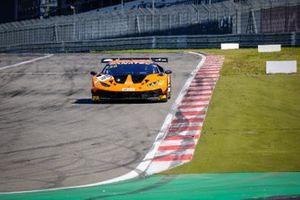 #16 GRT Grasser Racing Team Lamborghini Huracan GT3 Evo: Tim Zimmermann, Kikko Galbiati, Clemens Schmid