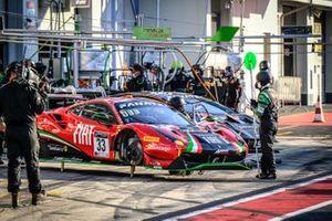 #33 Rinaldi Racing Ferrari 488 GT3: David Perel, Benjamin Hites, Patrick Kujala