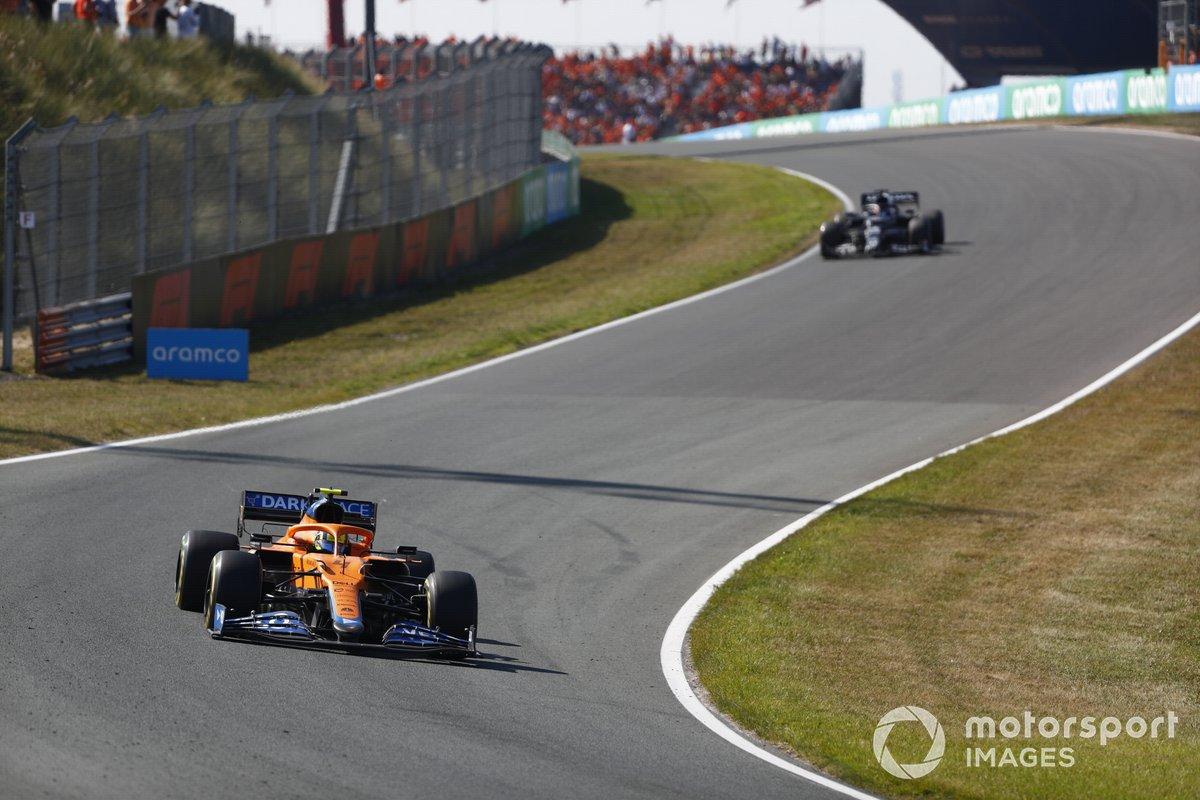Lando Norris, McLaren MCL35M, Yuki Tsunoda, AlphaTauri AT02