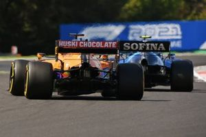 Nicholas Latifi, Williams FW43B, Daniel Ricciardo, McLaren MCL35M