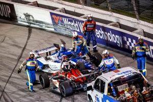 Alex Palou, Chip Ganassi Racing Honda, CrashRinus VeeKay, Ed Carpenter Racing Chevrolet