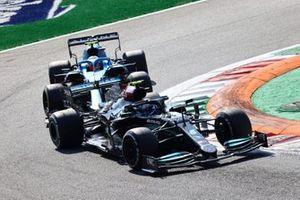 Valtteri Bottas, Mercedes W12, Esteban Ocon, Alpine A521