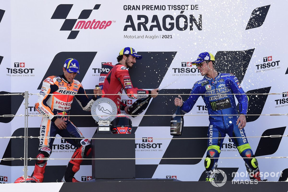 Podio: 1º Francesco Bagnaia, 2º Marc Márquez, 3º Joan Mir