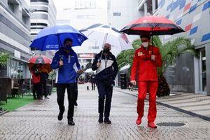 Guenther Steiner, Team Principal, Haas F1, Franz Tost, Team Principal, AlphaTauri, en Mattia Binotto, Team Principal, Ferrari
