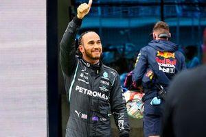 Ganador de la pole position Lewis Hamilton, Mercedes