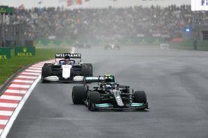 Valtteri Bottas, Mercedes W12, George Russell, Williams FW43B