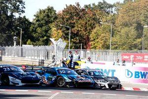 Start action, Kelvin van der Linde, Abt Sportsline Audi R8 LMS GT3, Liam Lawson, AF Corse Ferrari 488 GT3 Evo, Kelvin van der Linde, Abt Sportsline Audi R8 LMS GT3