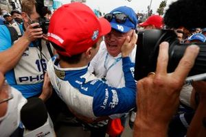 Le Champion Alex Palou, Chip Ganassi Racing Honda, fête avec, Chop Ganassi