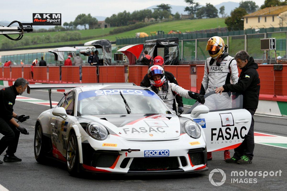 #381 Tsunami R.T., Porsche 911 GT3 Cup: Lino Curti, Carlo Curti