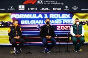 Andreas Seidl, Team Principal, McLaren, Laurent Rossi, CEO, Alpine F1, e Otmar Szafnauer, Team Principal e CEO, Aston Martin F1, in conferenza stampa