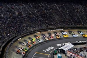 Chase Elliott, Hendrick Motorsports, Chevrolet Camaro Hooters and Kyle Larson, Hendrick Motorsports, Chevrolet Camaro Valvoline