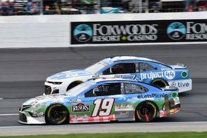 Martin Truex Jr., Joe Gibbs Racing, Toyota Camry Resers Fine Foods #LetsPicnic, James Davison, Rick Ware Racing, Chevrolet Camaro