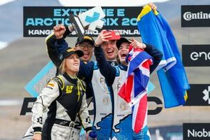 Catie Munnings, Andretti United Extreme E, takes a selfie with teammate Timmy Hansen, Andretti United Extreme E, 1st position, and Mikaela Ahlin-Kottulinsky, Kevin Hansen, JBXE Extreme-E Team, 2nd position, on the podium