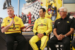Helio Castroneves, Team Penske Chevrolet et Rick Mears