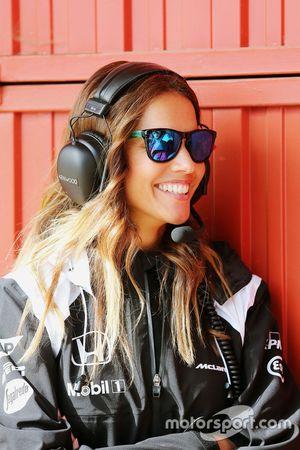 Lara Alvarez, novia de Fernando Alonso, McLaren