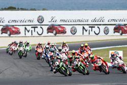 Jonathan Rea, Kawasaki Racing Team; Tom Sykes, Kawasaki Racing Team; Davide Giugliano, Aruba.it Raci