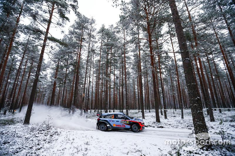 #10: Hyundai i20 WRC: Thierry Neuville und Nicolas Gilsoul