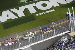 Restart : Austin Theriault, Brad Keselowski Racing Ford mène