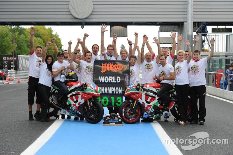 Yakhnich Motorsport празднует титул в WSS, 2013