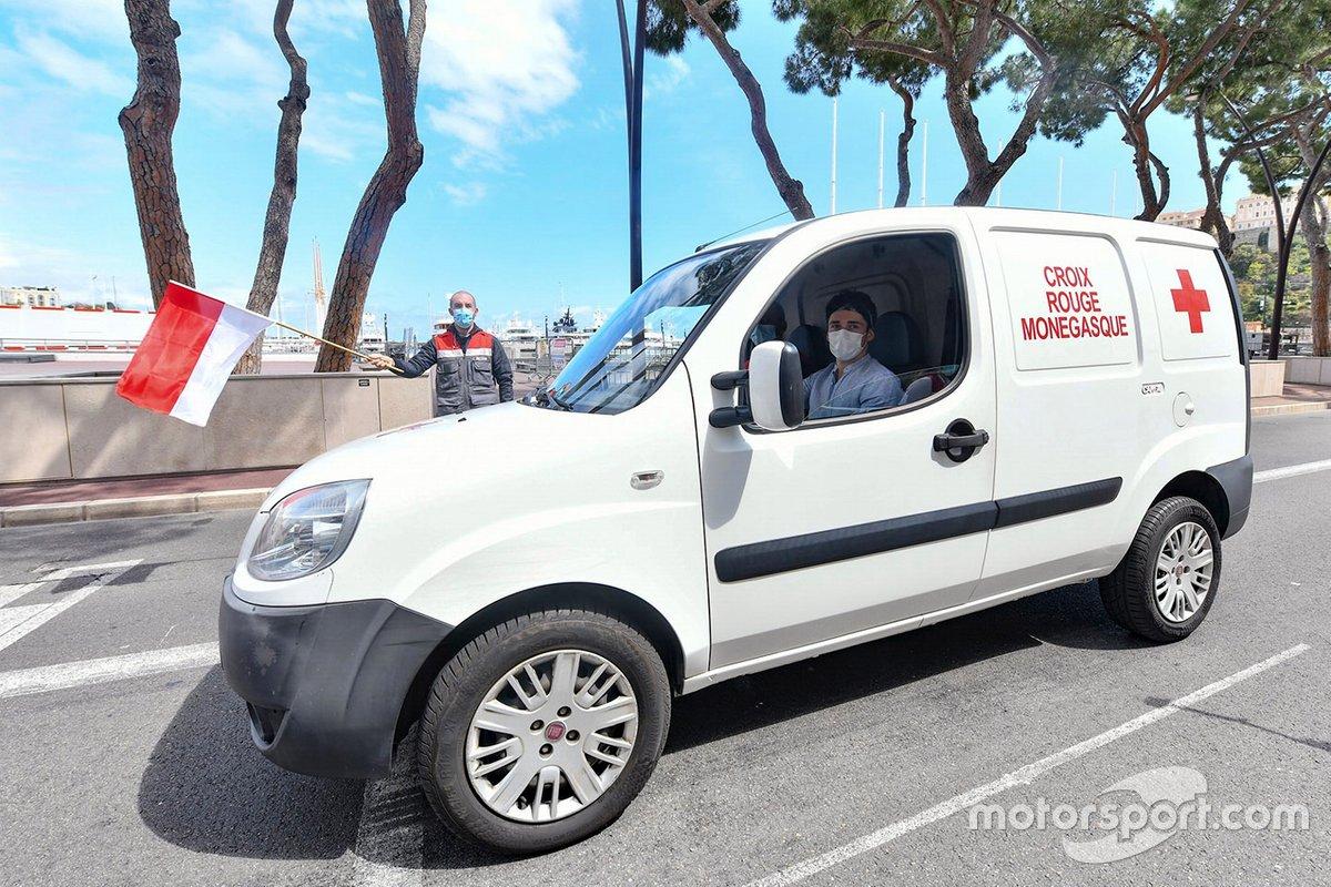 Charles Leclerc, Ferrari, volontario per la Croce Rossa Monegasca