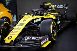 Detail of the nose and front wing on the Renault F1 Team R.S.20