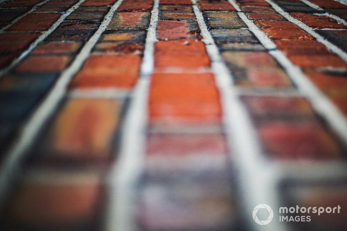 La yarda de ladrillos (Yard of bricks) de Indianápolis