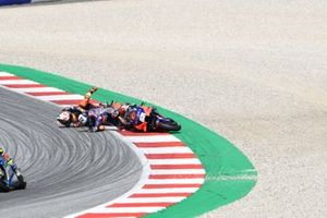 Miguel Oliveira, Red Bull KTM Tech 3, Pol Espargaro, Red Bull KTM Factory Racing crash