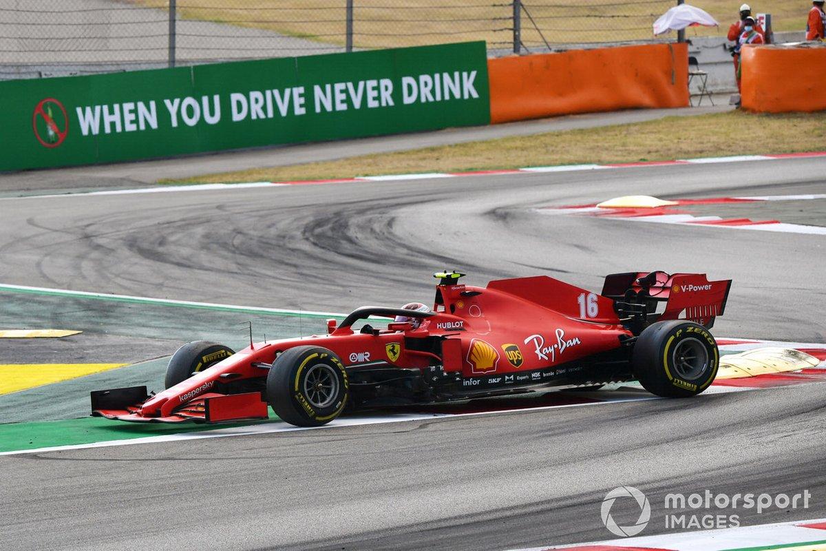 Charles Leclerc, Ferrari SF1000, fa un testacoda