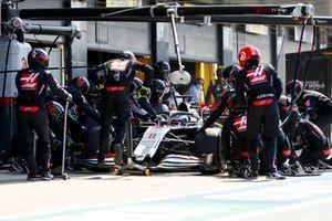 Romain Grosjean, Haas VF-20 pit stop