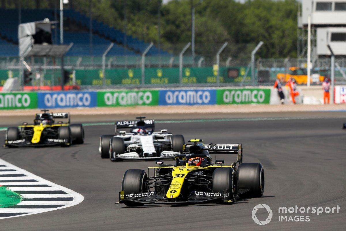 Esteban Ocon, Renault F1 Team R.S.20, Daniil Kvyat, AlphaTauri AT01, Daniel Ricciardo, Renault F1 Team R.S.20