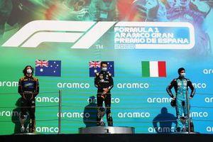 Il vincitore della gara Oscar Piastri, Prema Racing, secondo classificato Alexander Peroni, Campos Racing, terzo classificato Matteo Nannini, Jenzer Motorsport